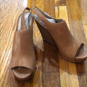 Steve Madden Barcley brown leather wedges